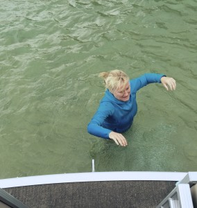 Bonnie Edwards heading to the start line. Yes, even Bonnie was cold!