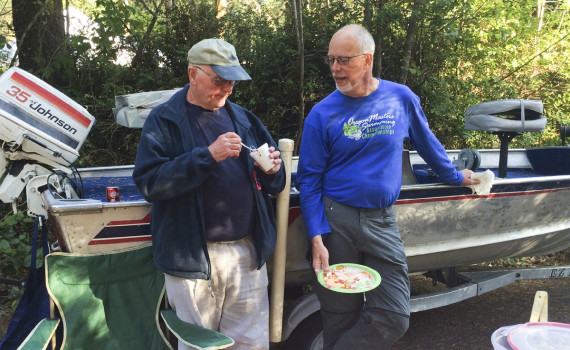 Ralph Mohr and Pat Allender enjoying breakfast